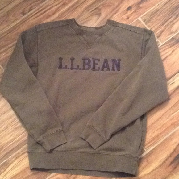 L.L. Bean Other - LL bean embroidered crewneck sweatshirt